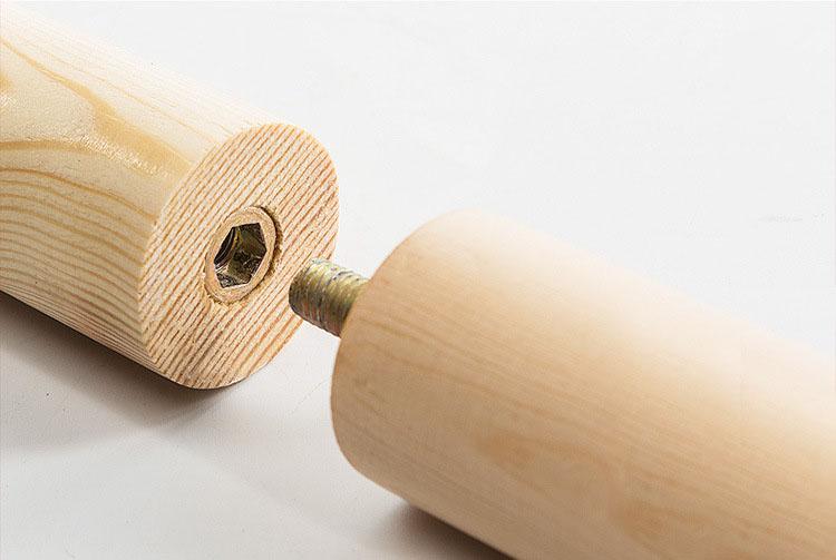 Chi tiết cây treo quần áo bằng gỗ CT02