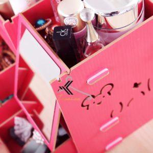 Gương soi tiện lợi của hộp đựng mỹ phẩm Mixi